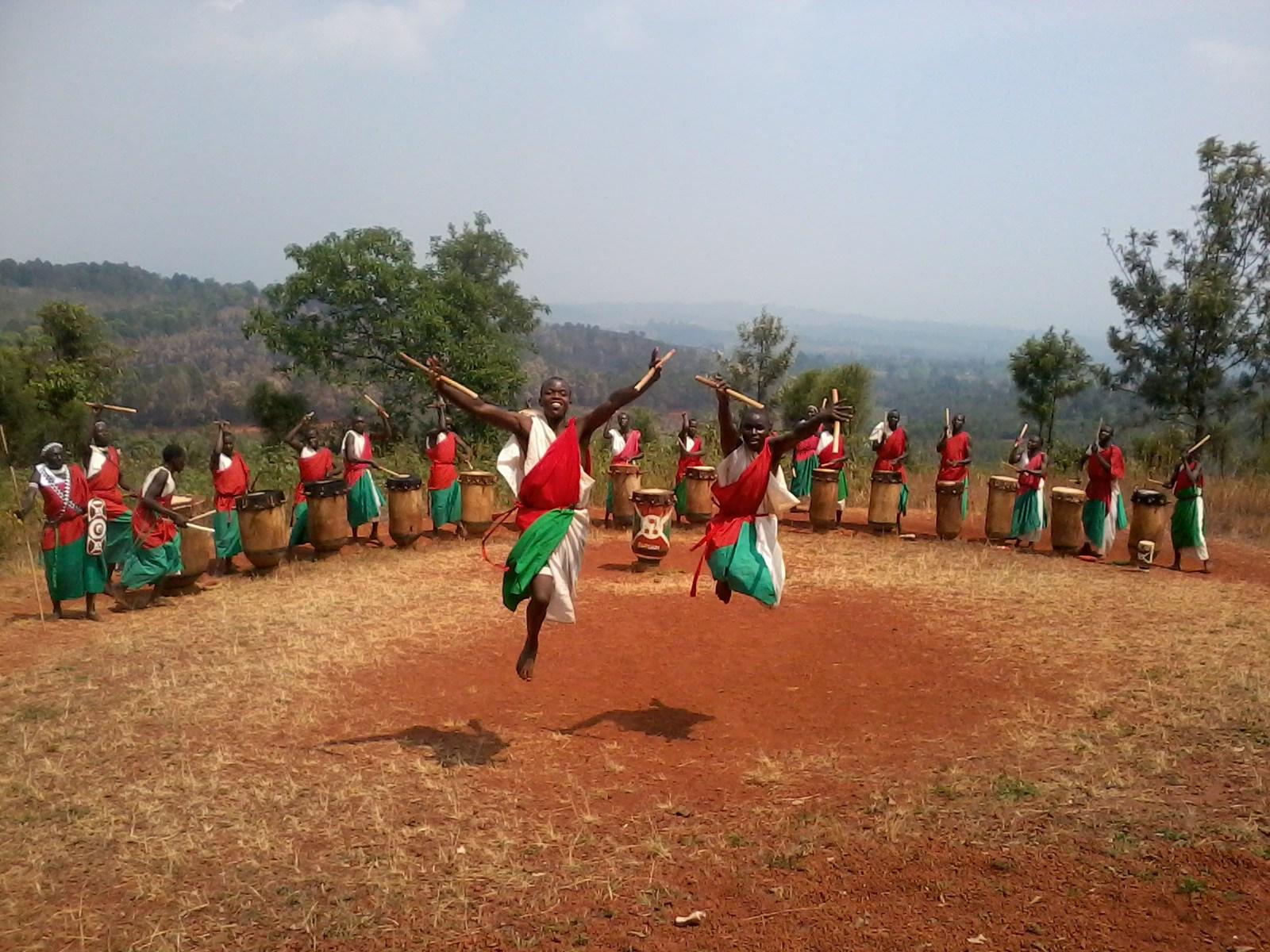 Gishora drummers